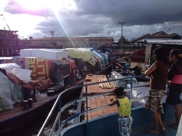 Der Hafen in Iquitos